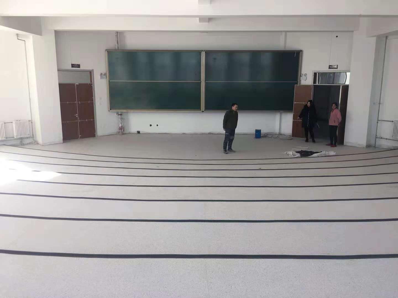 辽源市经济开发区职教园区塑胶地板施工