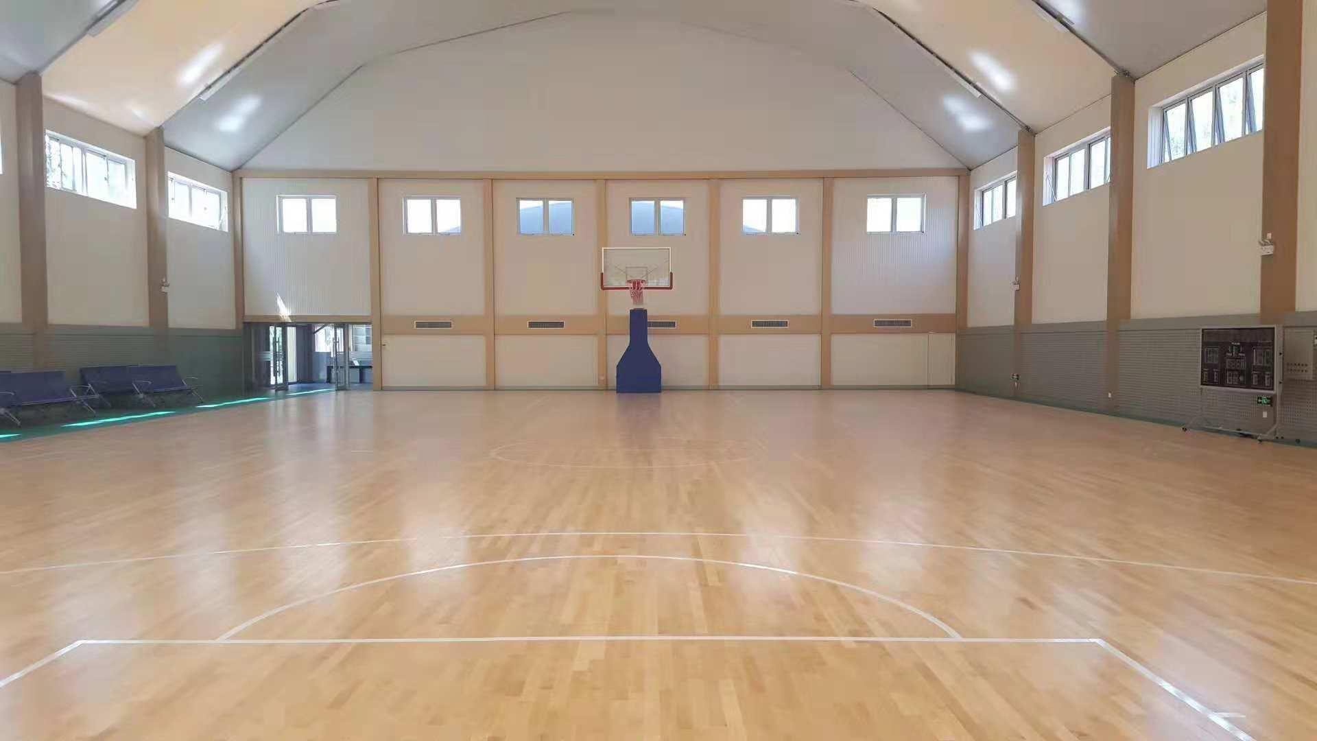 运动场馆塑胶地板铺设